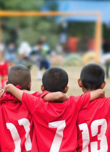 Bambini durante partita di calcio, Centro SPortivo Le Sequoie, Carsoli (AQ)