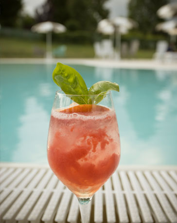 coktail-in-piscina