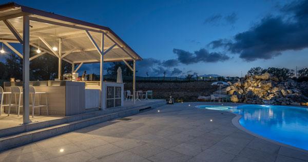 piscina-di-notte_F_5093